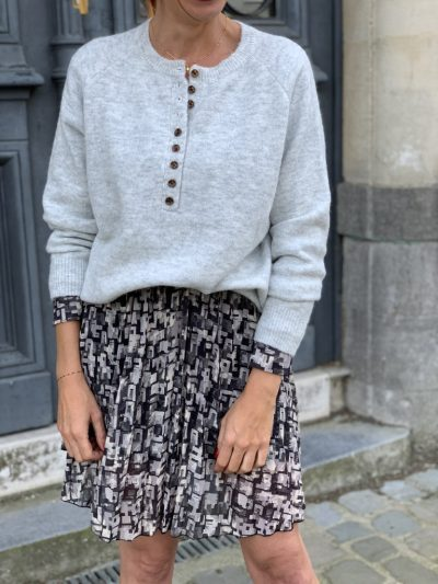 PULL GRIS À BOUTONS